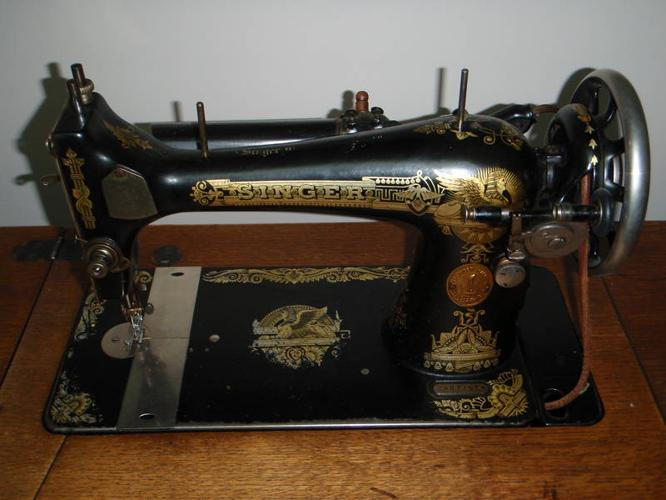1911 Singer Sewing Machine For Sale In Vernon British