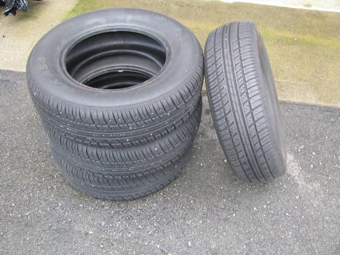 195 / 70 / 14 tires