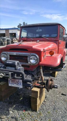 1977 toyota fj40 with a chevy 350