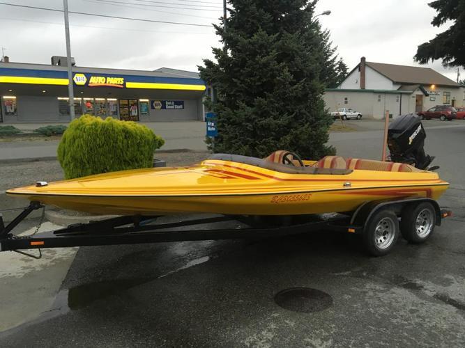 1988 Laveycraft Seabring 18' ski/speedboat.