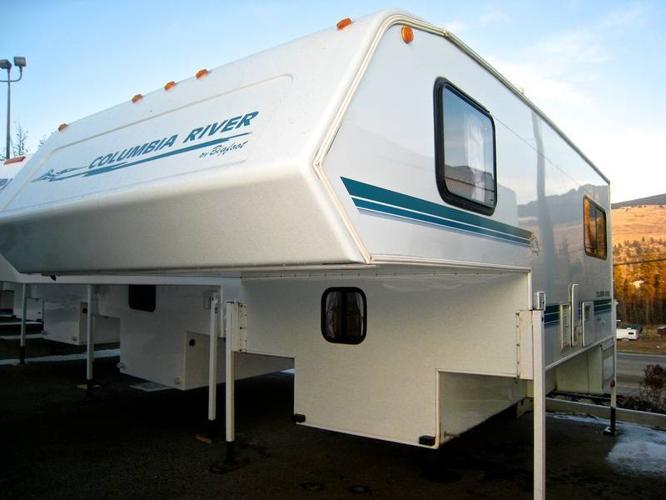 1998 Bigfoot Columbia River 10 7 Truck Camper (FIBERGLASS WALLS) for