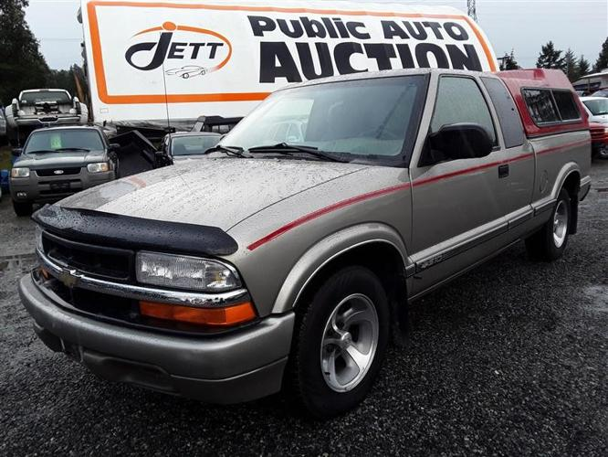 2001 Chevrolet S10 4.3L V6 engine, low Km unit selling online and on site!