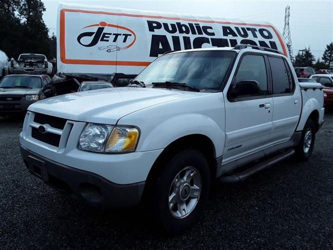 2001 Ford Explorer loaded unit with rear entertainment system!