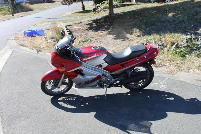 2001 Kawasaki Ninja 250 $1900 obo