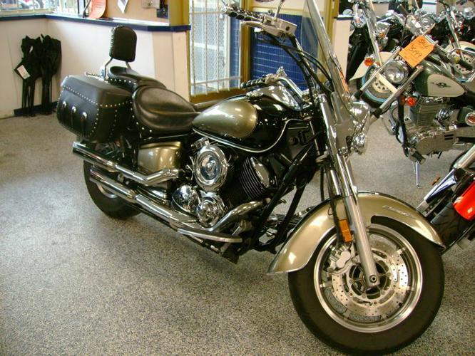 2005 Yamaha 1100 v star classic