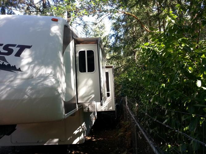2006 40ft Everest excellent shape  4 year extended warrenty included