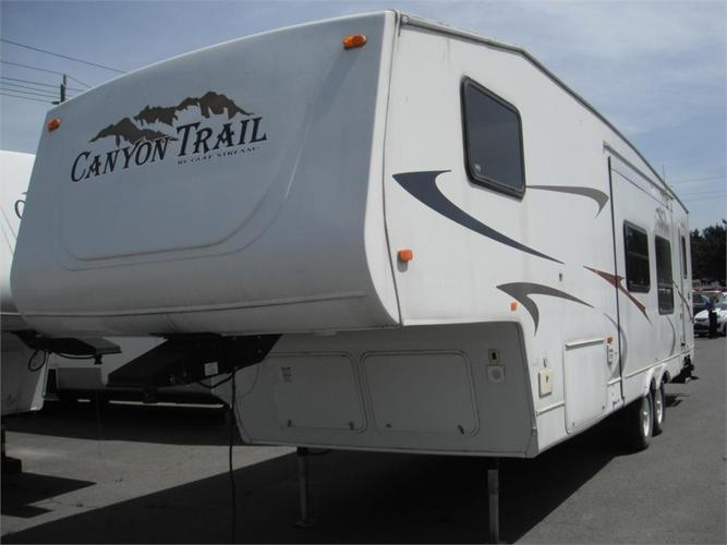 2006 Gulf Stream Canyon Trail Y30PBHS RV Fifth Wheel Trailer with 2 Slide Outs