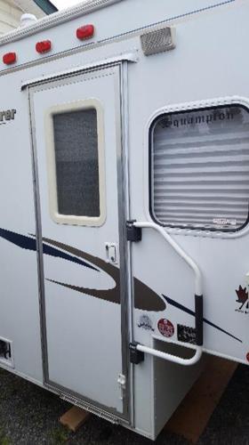 2008 adventurer 80w camper