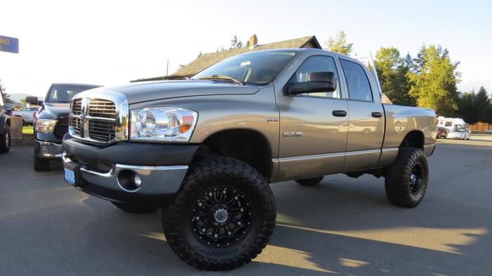 2008 DODGE RAM 1500 LIFTED 4X4 (One Owner! 94,000 km!)