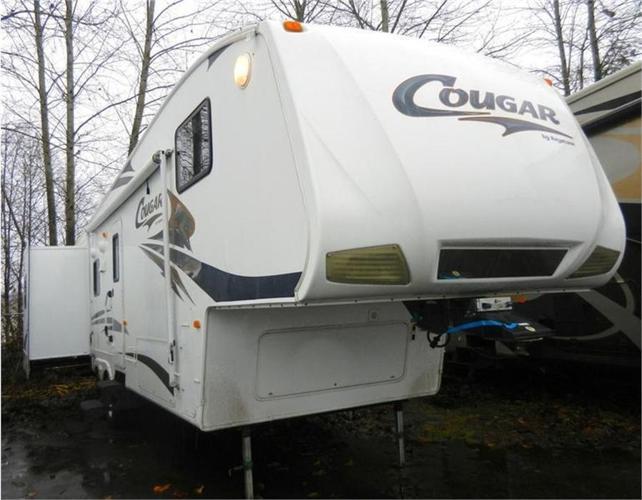 2009 Cougar 318SAB -