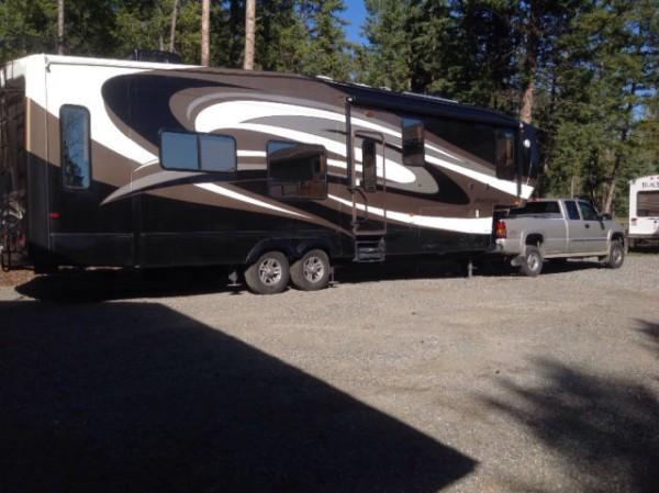 2011 Coachmen Brookstone 367RL Fifthwheel For Sale