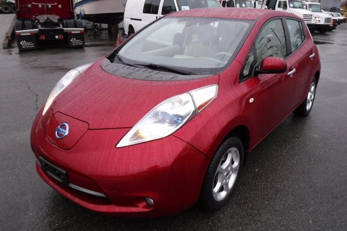 2011 Nissan LEAF SV Electric