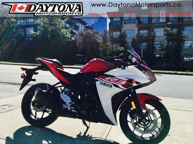 2015 Yamaha YZF-R3 Sport Motorcycle * SALE !!! *