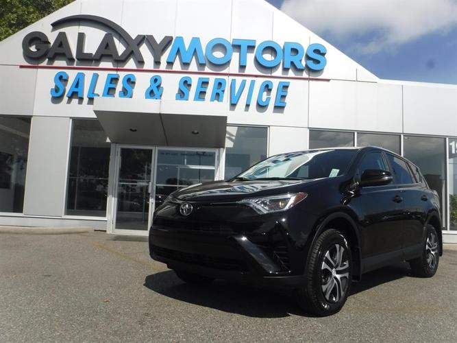 2016 Toyota Rav4 LE - AWD, Bluetooth, Accident Free
