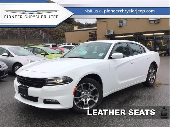 2017 Dodge Charger SXT  -Red Leather Seats -Navi -AWD