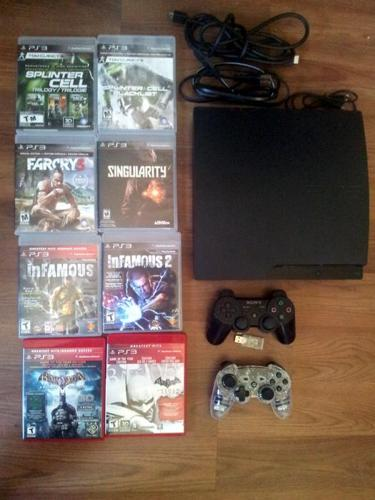 300GB Ps3 Slim, 2 controllers, 8 games