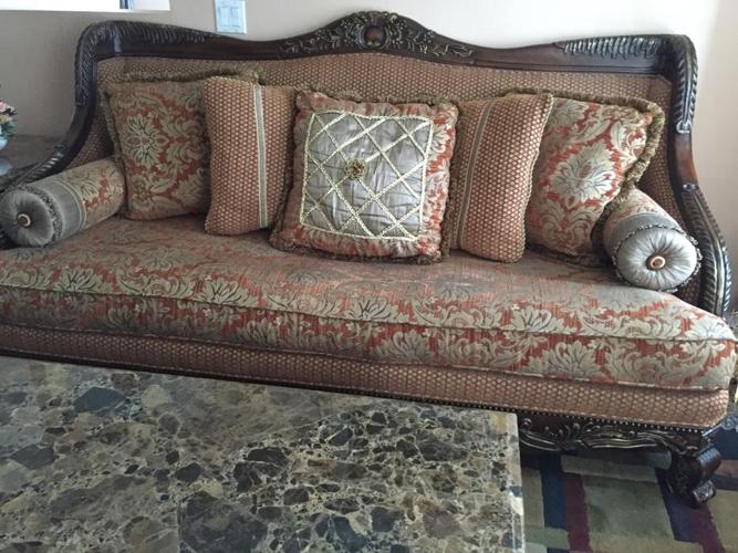 3pc Beautiful ashley living room sofa set very good condition