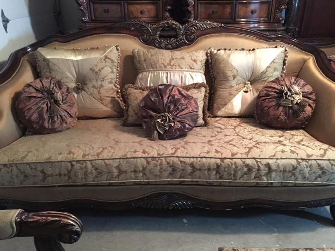 3pc Beautiful ashley living room sofa set