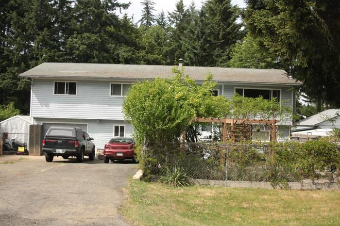 4+ bedroom home for sale in Cedar BC