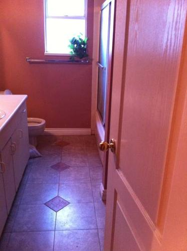 $450 1 Room (Including hydro+cable+internet+laundry)