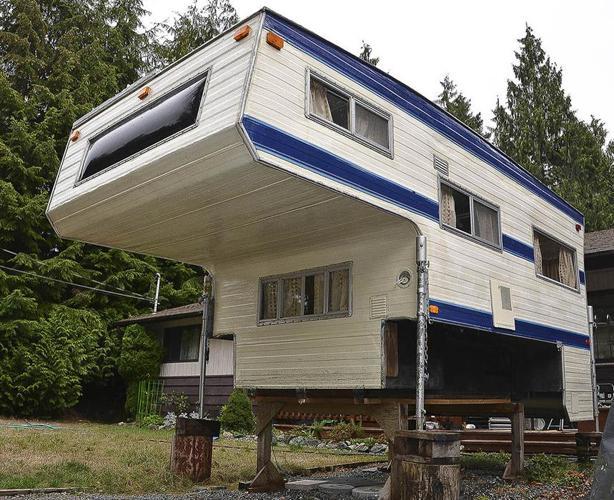 Apollo Truck Camper
