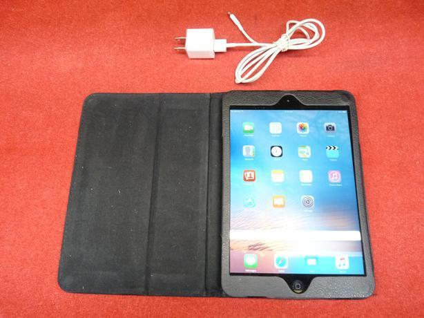 Apple MF442C A wifi or cellular data 16GB ipad mini with charger