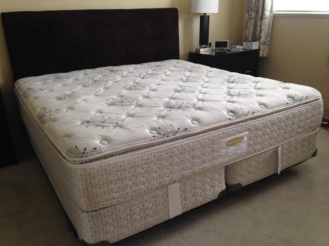 Beautiful Pillow Top King Size Bed w/ Headboard