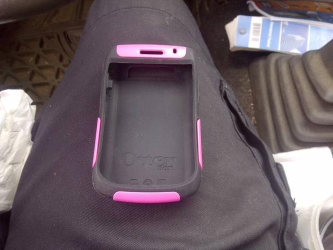Black and pink Otter box commuter for Blackberry curve 9300