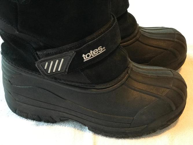 Boy's Boots - Size 4
