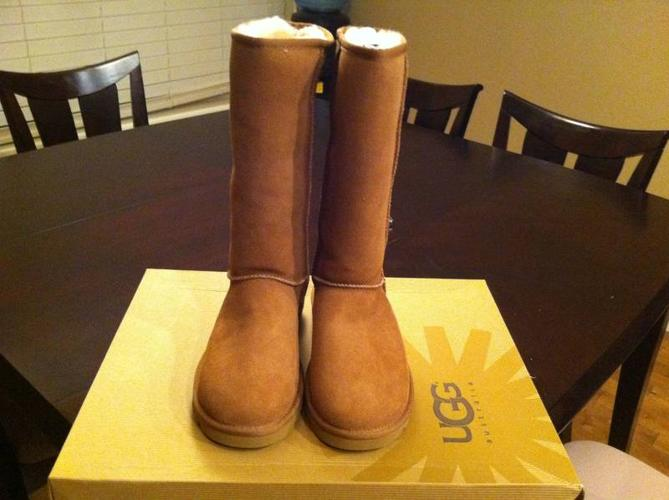 Brand new UGG classic Tall size 7