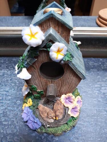 BrandNewDecorative Lawn & Garden Sprinkler BirdHouseHandPaintedResinW/Brass