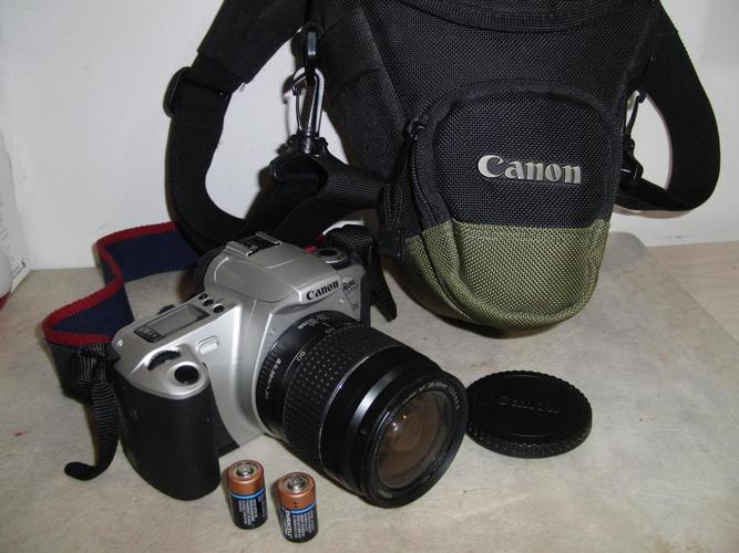 Canon Rebel 2000 SLR Film Camera