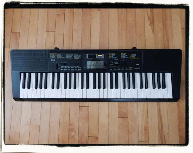 Casio CTK-2400 61 Note Keyboard
