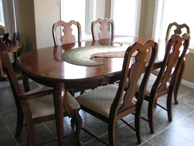 Cherrywood dining room suite (Table/chairs/buffet/hutch)
