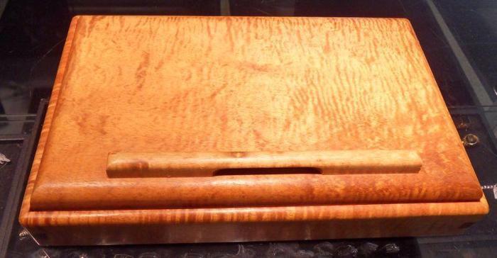 Collectable Koa Box by Ricardo Dellera