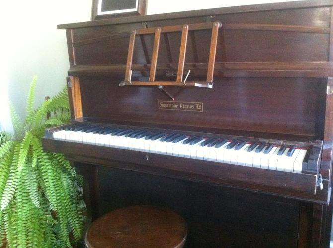 """Collector's item:  apartment-sized """"Yachting"""" Piano"""