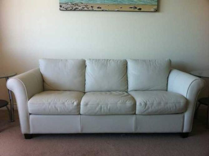 Designer Leather Couch With Hide A Bed For Sale In Burnaby British Columbia British Columbia Ads