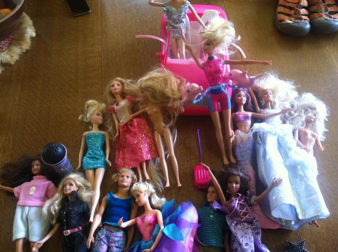 Dolls - Barbies and Bratz