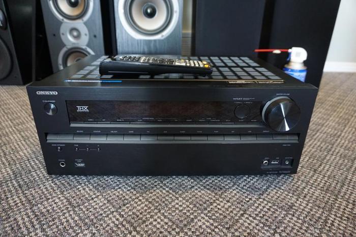 Dream Home theatre system Onkyo TX-NR609 7.2-channel AV receiver and Polkaudio