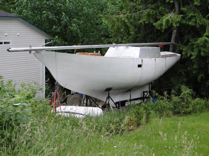 Endurance 37 fiberglass hull