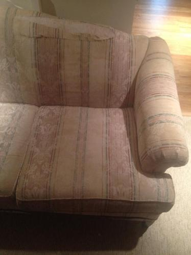 FREE: Beautiful Sofa