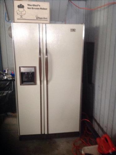 Free Magic Chef SxS fridge / freezer)