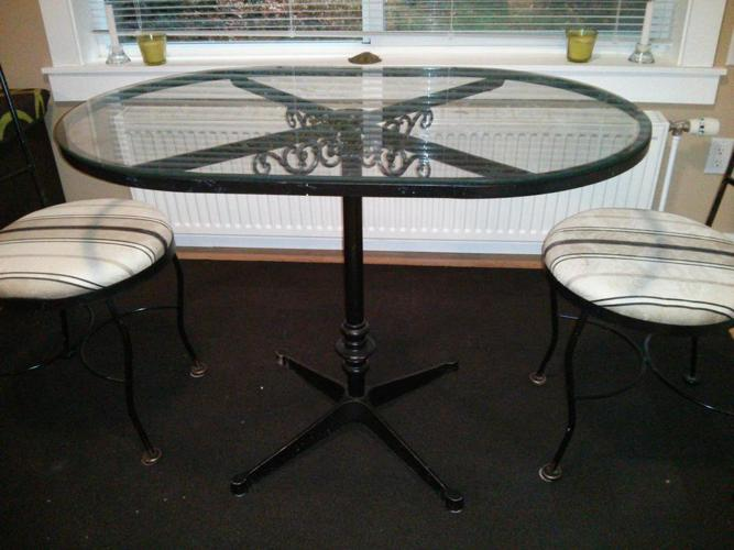 Glass Table and two chairs (indoor and outdoor)