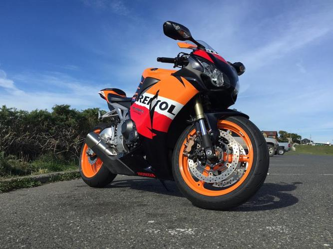 Honda CBR1000rr - 2009 *Repsol* with ABS - excellent condition