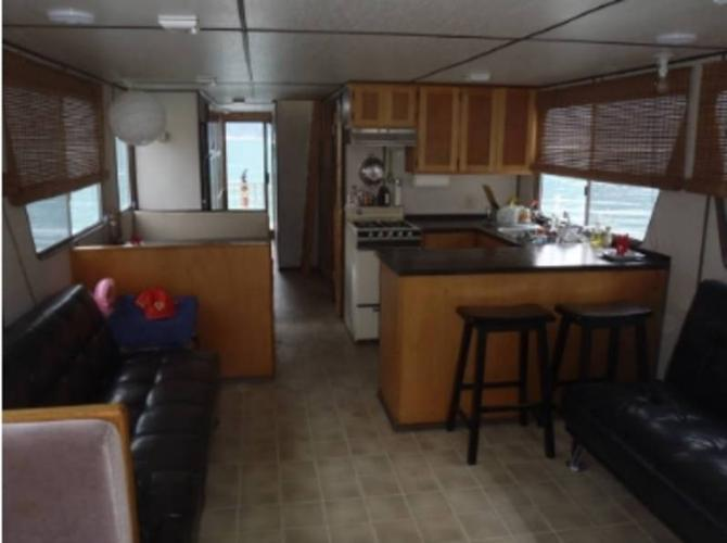 Houseboat on the Arrow Lakes