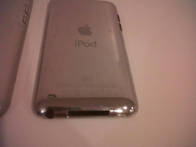 iPod Touch 4gen 32gb - Good as new - $230