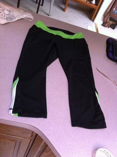 Ivivva (Lululemon) size 14 youth crops/pants