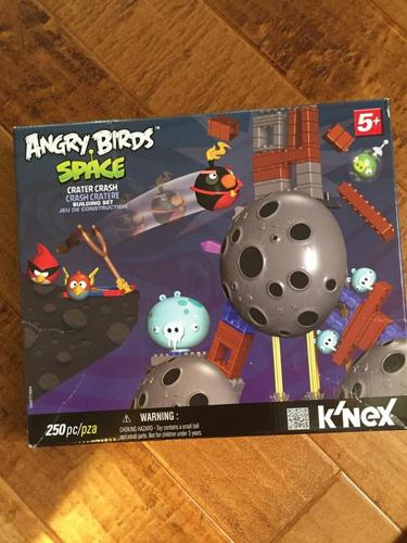 K'NEX Angry Birds Space Building Set - Crater Crash