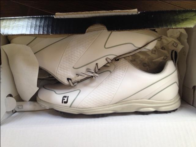 Ladies golf shoes size 8
