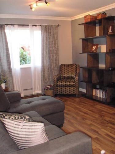 Looking for a Roommate Newly Renovated Condo ASAP-UTILITIES INCL